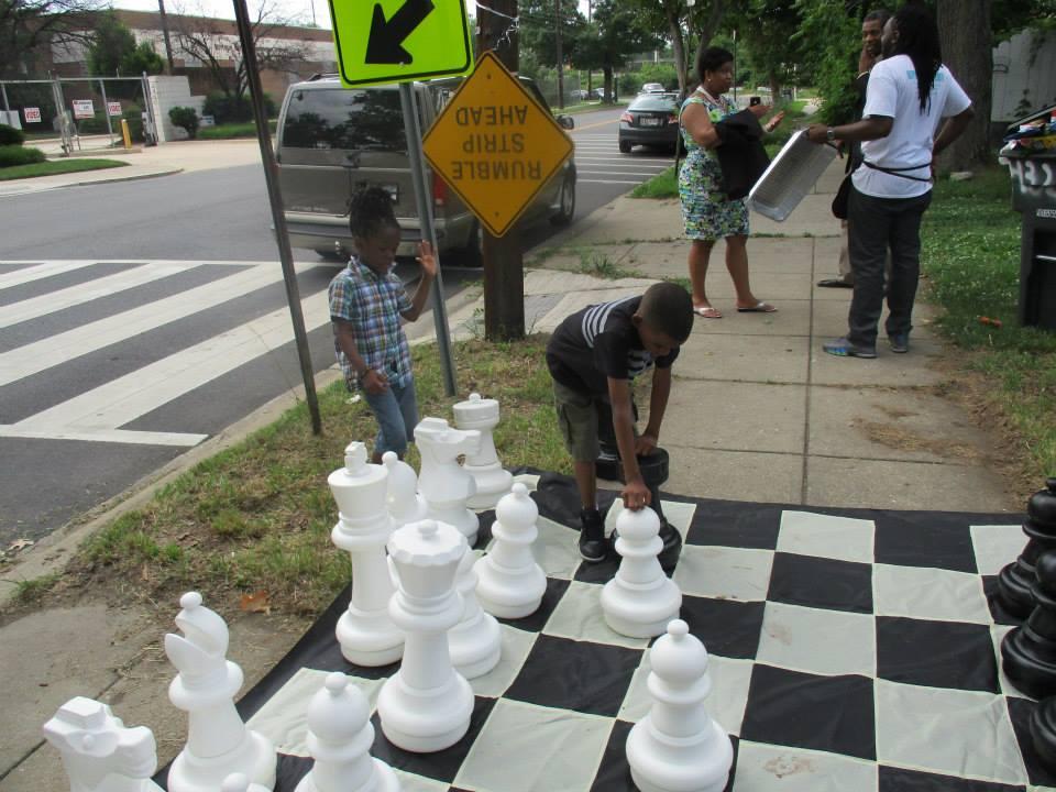kids playing chess at big chair chess club